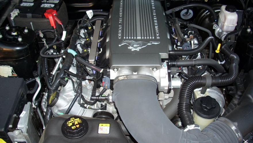 Ford Mustang GT 2010  V8 4,6 Engine